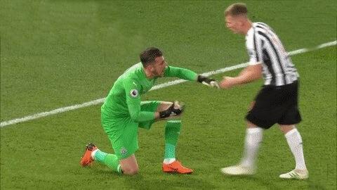 Matt Ritchie Dubravka Slap Premier League NUFC Hotspot